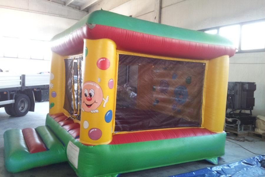 Gonfiabili attrazioni per luna park gonfiabili bisi for Amazon piscina con palline